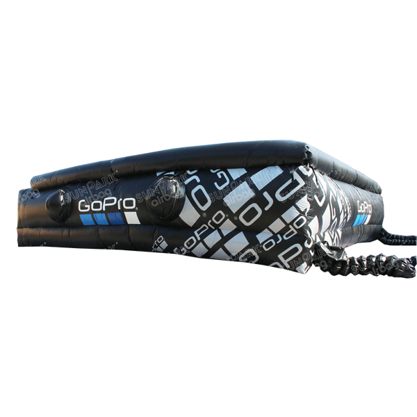 Airbag Jump Snowboard (1)