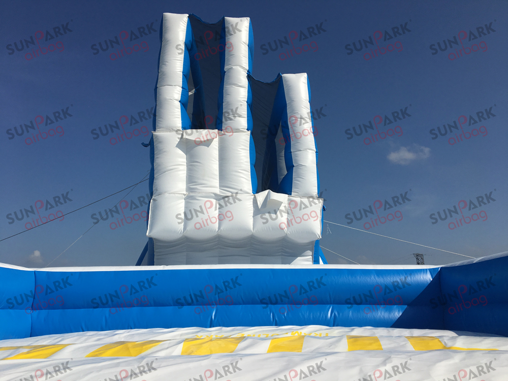 Inflatable Free Fall Airbag Stunt Jump (4)