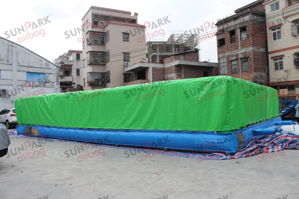 inflatable jump air bag (5)