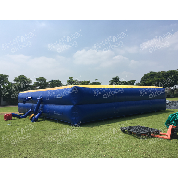 Inflatable Freestyle Airbags for Extreme Sports (2)